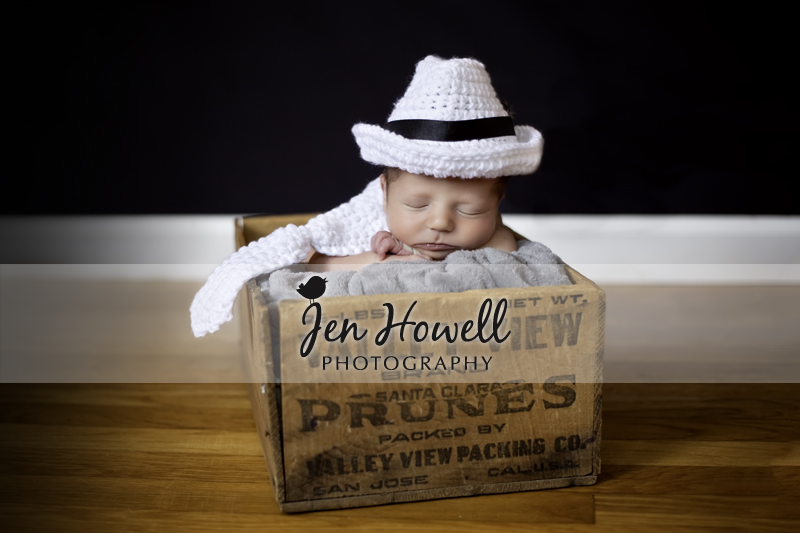 Memphis_20newborn_20photography_20by_20jen_20howell_20white_20fedora_original