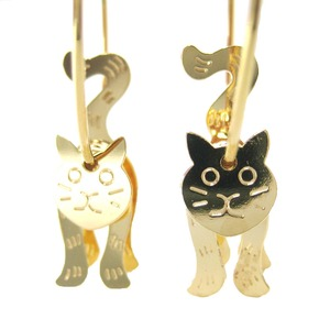 3D Kitty Cat Shaped Animal Dangle Hoop Earrings in Gold