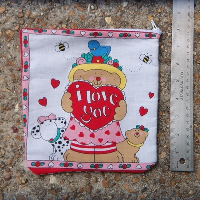 Bear love pouch