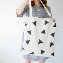 Triangle tote - Limited edition