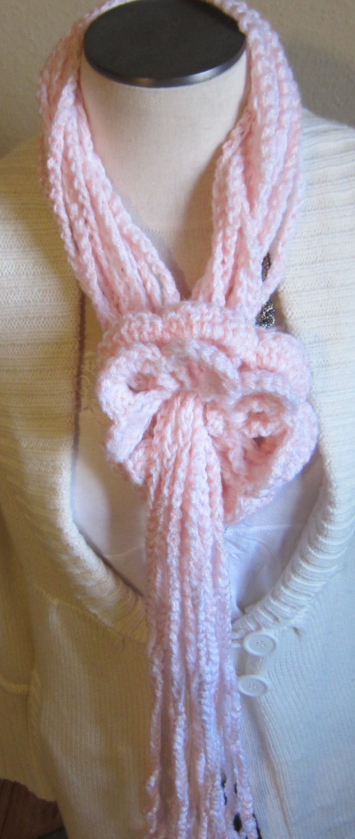 how to make a flower out of a scarf