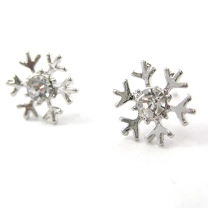 Small Snowflake Shaped Star Stud Earrings in Silver with Rhinestones