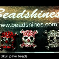 13mm Cross Bone Skulls