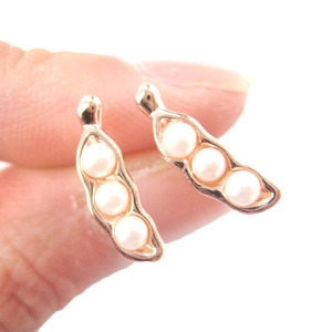 Classic Peas in A Pod Shaped Stud Earrings in Rose Gold with Pearl Details