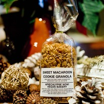 Macaroon Cookie Coconut Granola