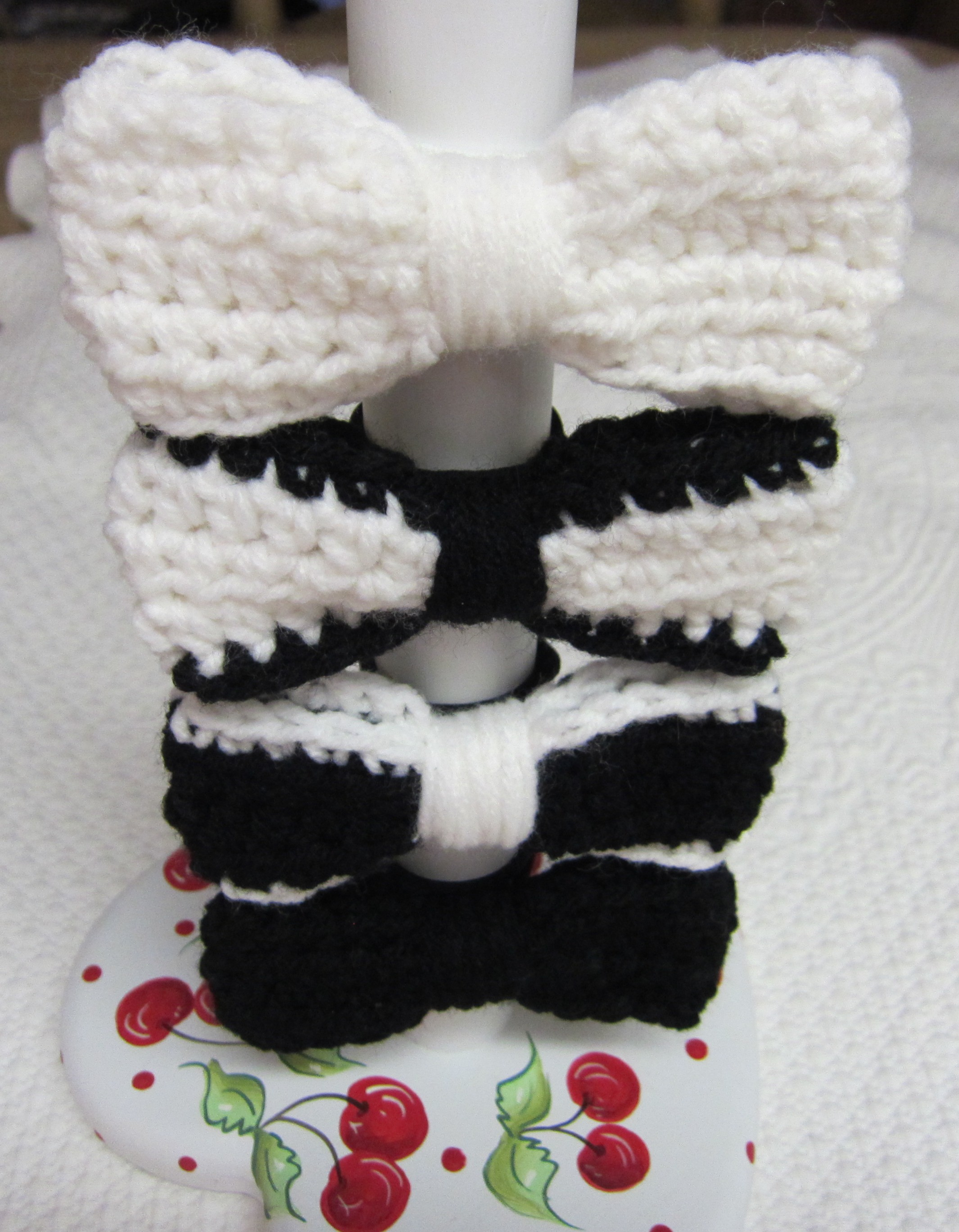 Crochet Hair Ties : Crochet Hair Tie Bows in Various Colors Black,White,Black with White ...