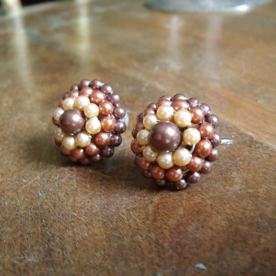 Brown and cream beaded vintage screw back earrings
