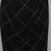 Black/White Skirt-In Due Time Size Medium CLLO1