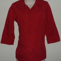 Red Top with Buttons/Collar-In Due Time Size Large CLLO2