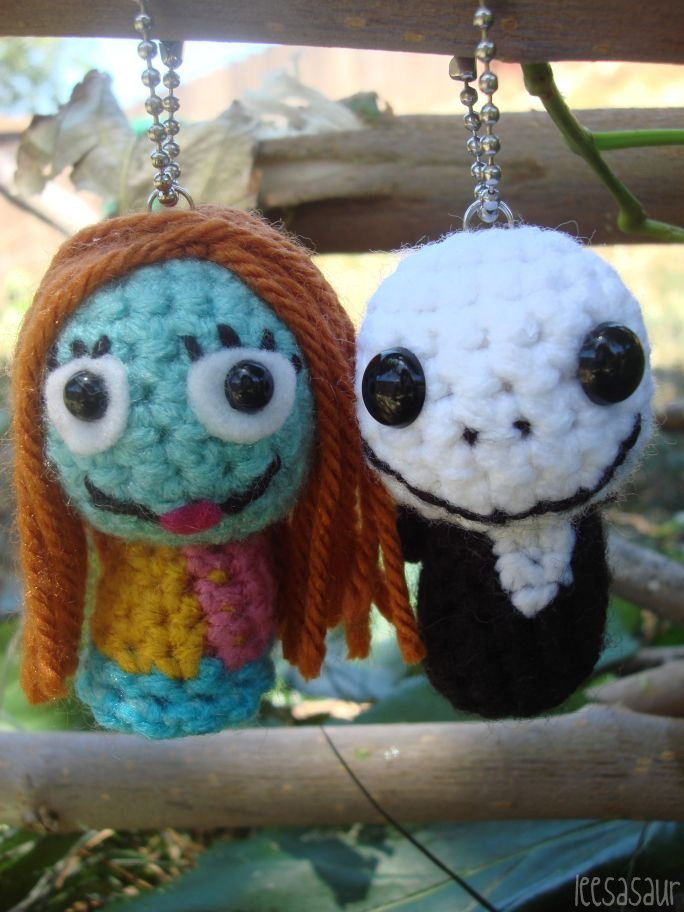 Amigurumi Jack Skellington Pattern : LEESASAUR Jack and Sally Skellington Amigurumi Ornaments ...