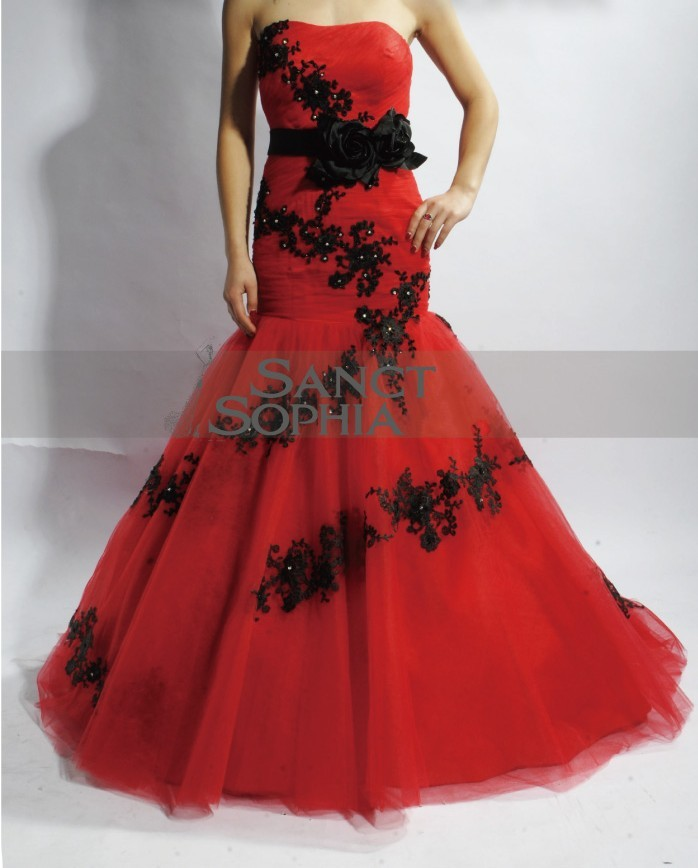 Mermaid Red and Black Lace Wedding Dress · Sanct Sophia · Online ...