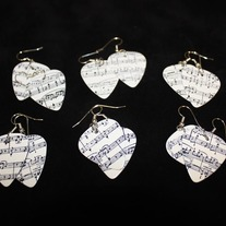 Sheet_20music_20pick_20earrings_medium