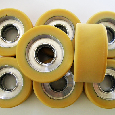 Labeda elegant freestyle roller skate wheels with clean metal hubs