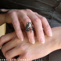 Winged Scarab Armor Ring Knuckle Ring with Vintage Glass Stone Silver or Gold Tone - Thumbnail 1