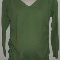 Green Sweater with Ruched Sides-Motherhood Maternity Size Large  CLLO