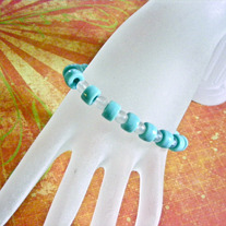Chinese Turquoise and Frosted Glass Stretch Bracelet