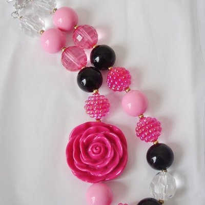 Pink and rose chunky necklace