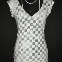 (Delia's) Distressed Checker Print V-neck Tunic (S)