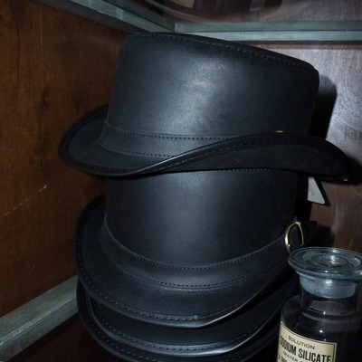 Browley black leather hat