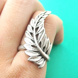 Classic Floral Leaf Shaped Wrap Ring in Silver - Size 7 or 8
