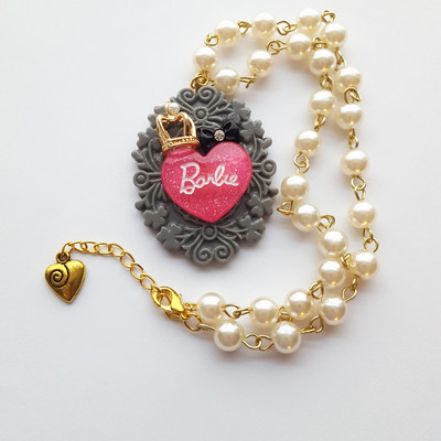 Pearl pink glitter resin barbie heart crown short necklace pastel goth kawaii 90's harajuku fashion