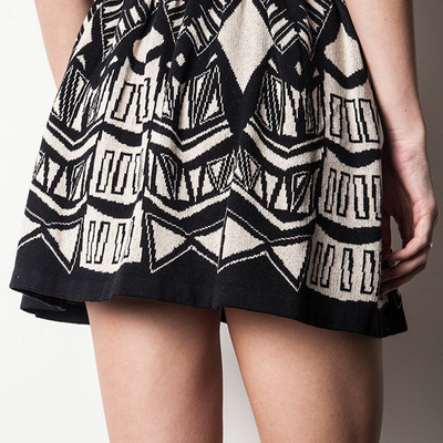 High waist tribal printed knit circle skirt (black/white)