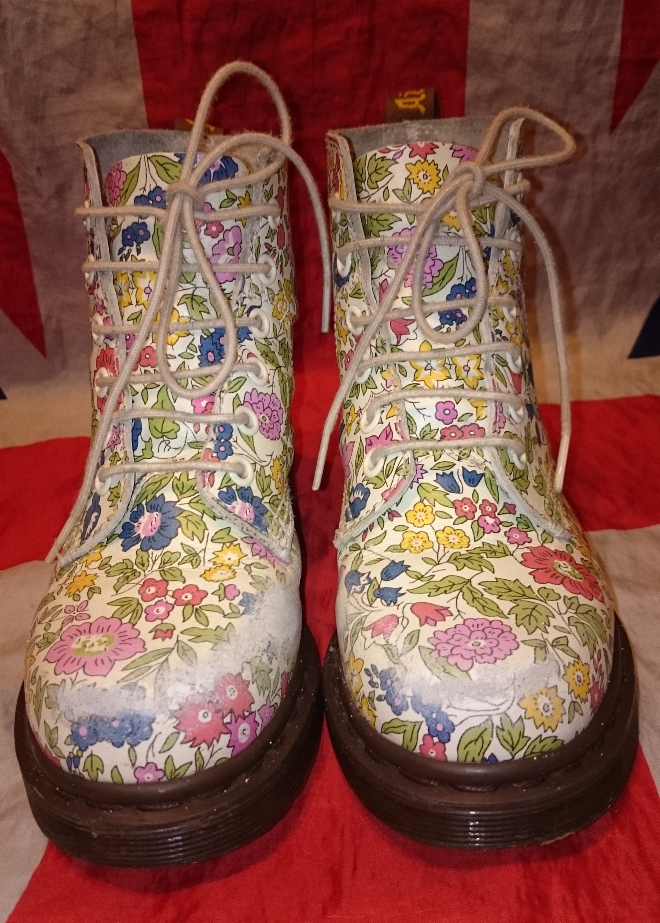 Rare liberty london floral girls dr doc martens boots white rare liberty london floral girls dr doc martens boots white flowers uk 2 mightylinksfo Image collections