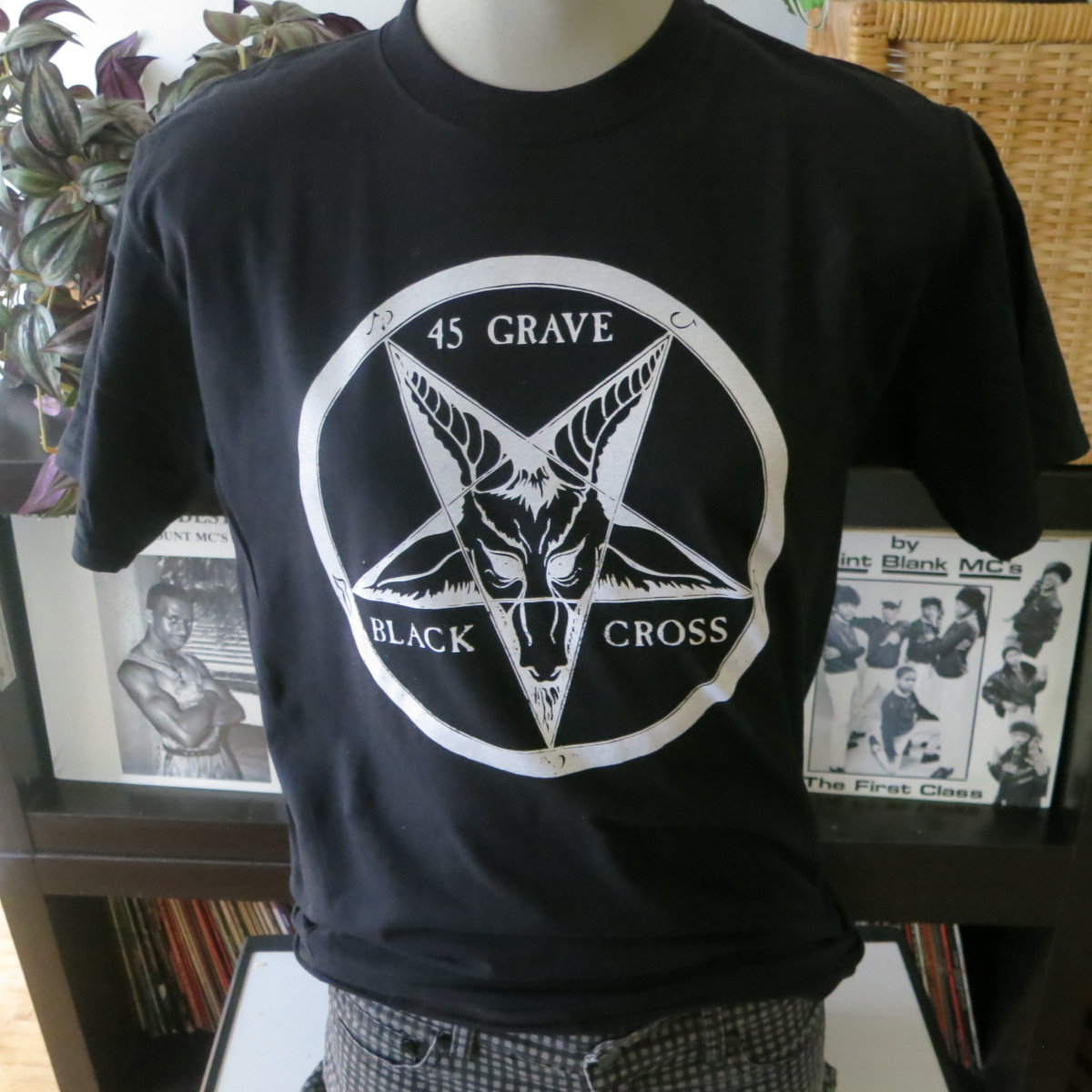 45 grave t shirt screen print short sleeve black vintage for Vintage screen print t shirts