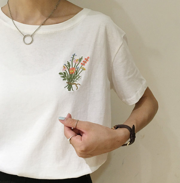 Embroidered flowers tee for How to embroider t shirts