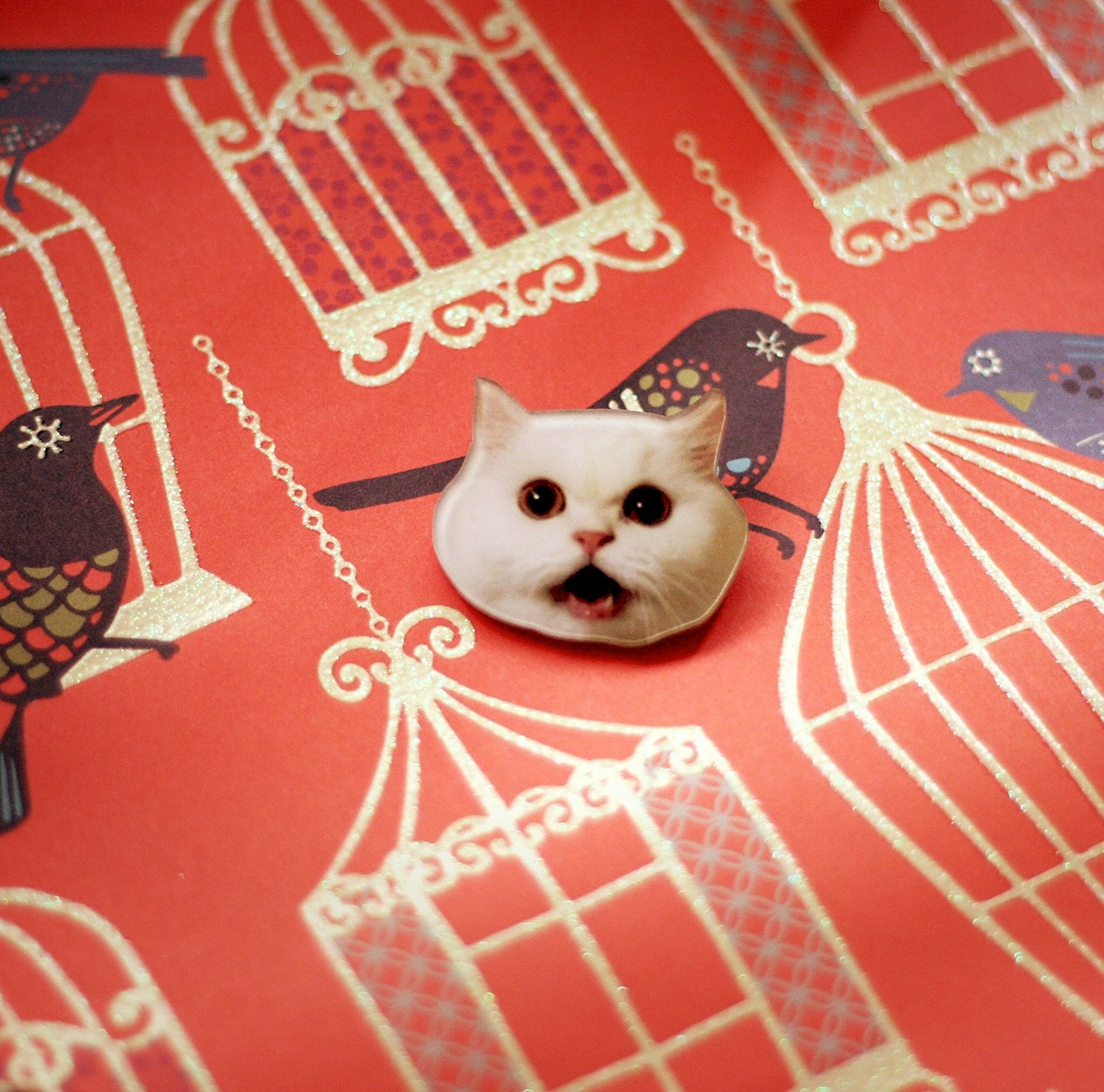 White cat face brooch · Ice Cream Cake · Online Store ...