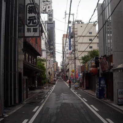 "17"" x 23"" poster: namba alley"