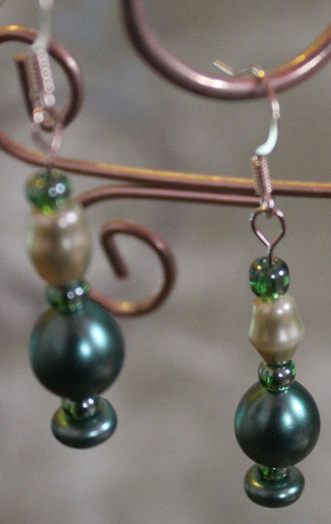 Green bead drop earrings