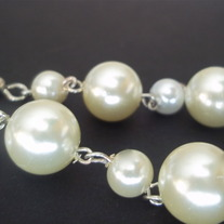 "2 1/2"" Pearl earrings"