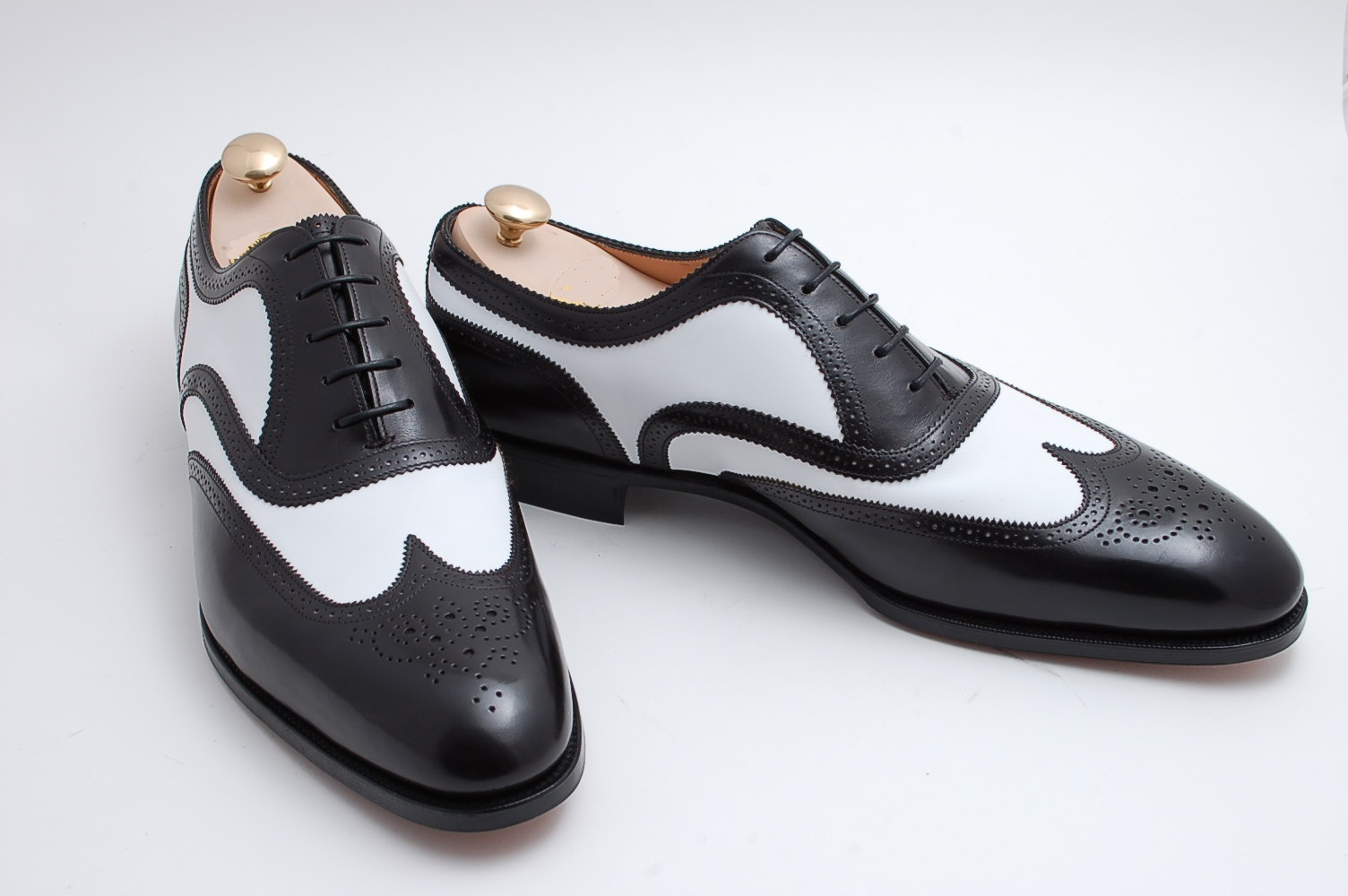 handmade spectator shoes two tone black and white
