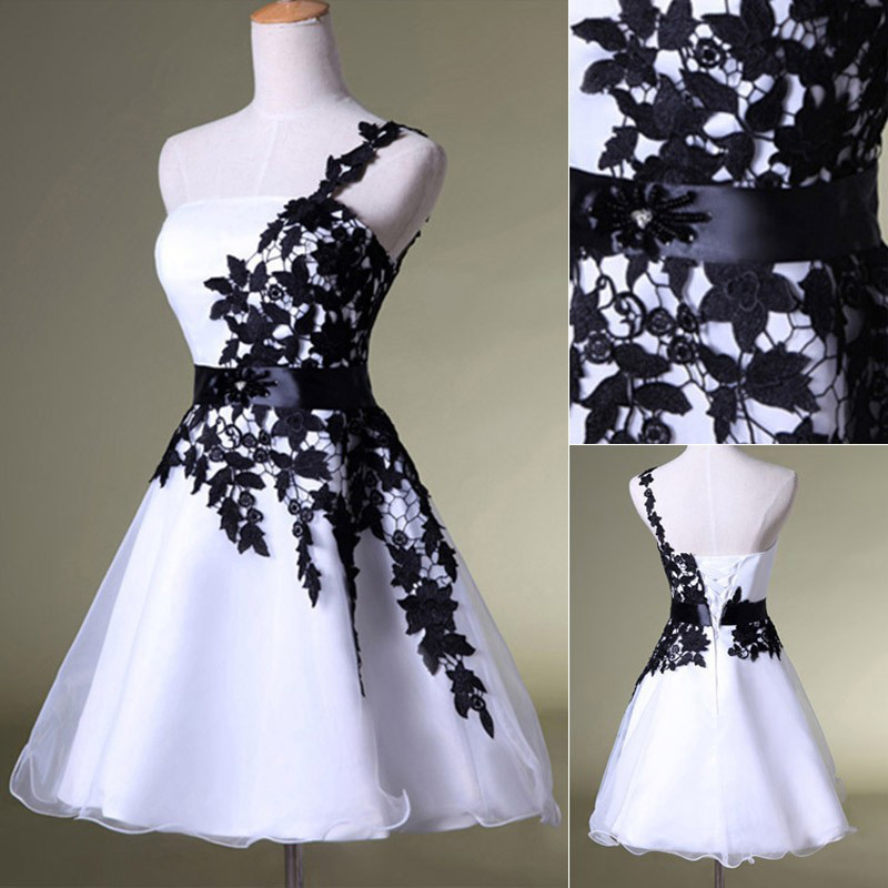 Elegant Short Ball Gown Lace Prom Dresses,Lace Homecoming Dresses On ...