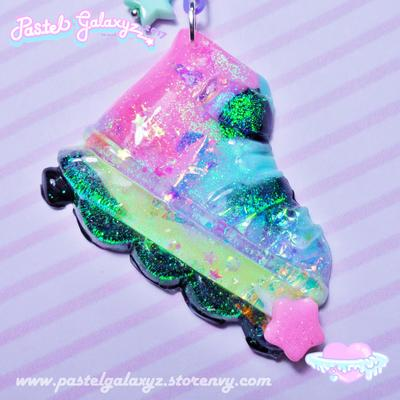 Retro Roller-Derby Gal Necklace- Iridescent Crystal ♡