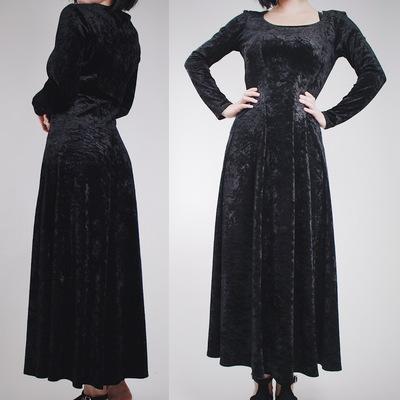Claimed  tinyredrobin - vintage 90s black crushed velvet morticia gown f2107a3cd