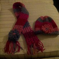 Girls_20scarf_20and_20beanie_20set_medium