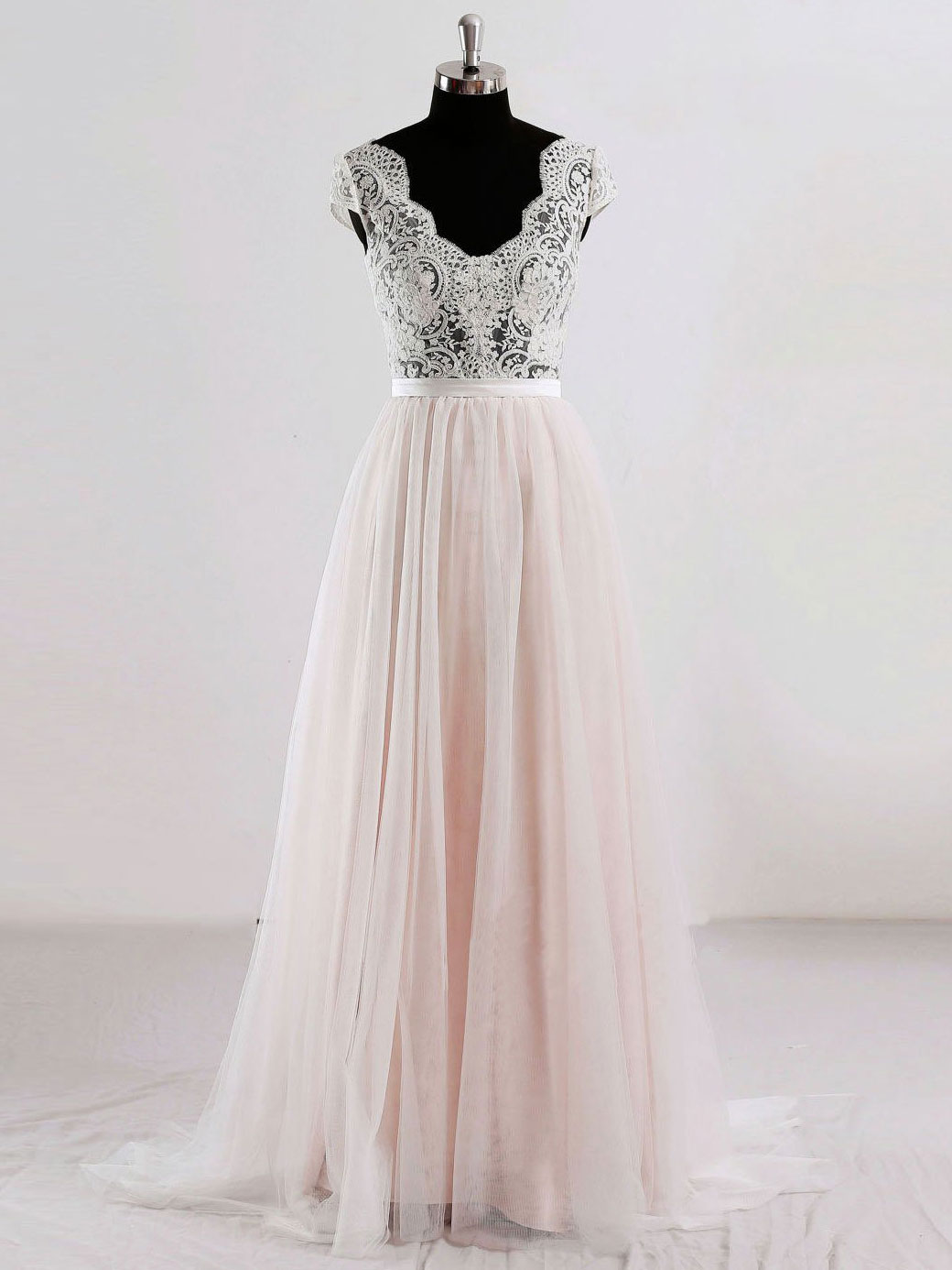 Pretty Princess Lace Prom Dress With Mesh Skirt Floor Length Light ...