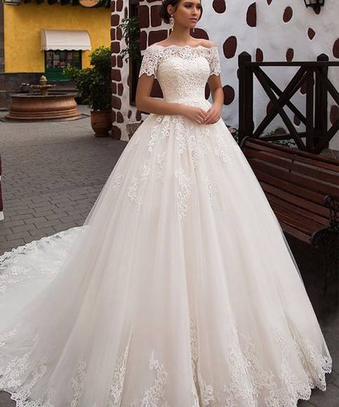 Short Sleeve Wedding Dress: Elegant Off The Shoulder Short Sleeves Ball Gown Lace
