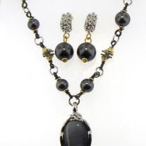 Vintage Black Glass Pearl Set