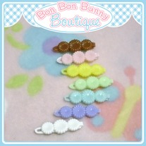 Tiny Treat Hair Clip - Flower Trio D