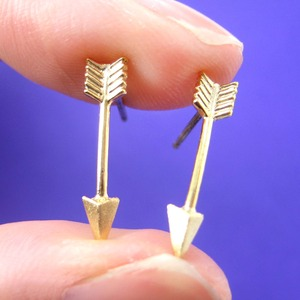 Small Arrow Shaped Realistic Stud Earrings in Gold | ALLERGY FREE