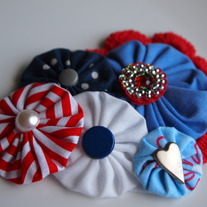 Fourth of July Yo Yo Cluster with Bling