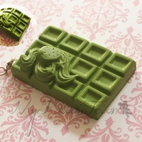 Squishy Green Strawberry Cracking Chocolate Bar