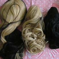 Wig_20blonde_20x_20blk_medium
