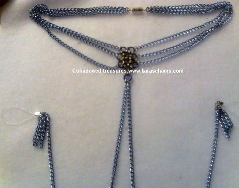 Choker with non-piercing chains