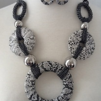The Big O Necklace Set