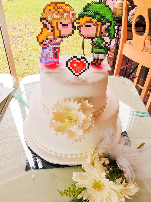 Link And Zelda Kissing Gamer Wedding Cake Topper Decorations Geek