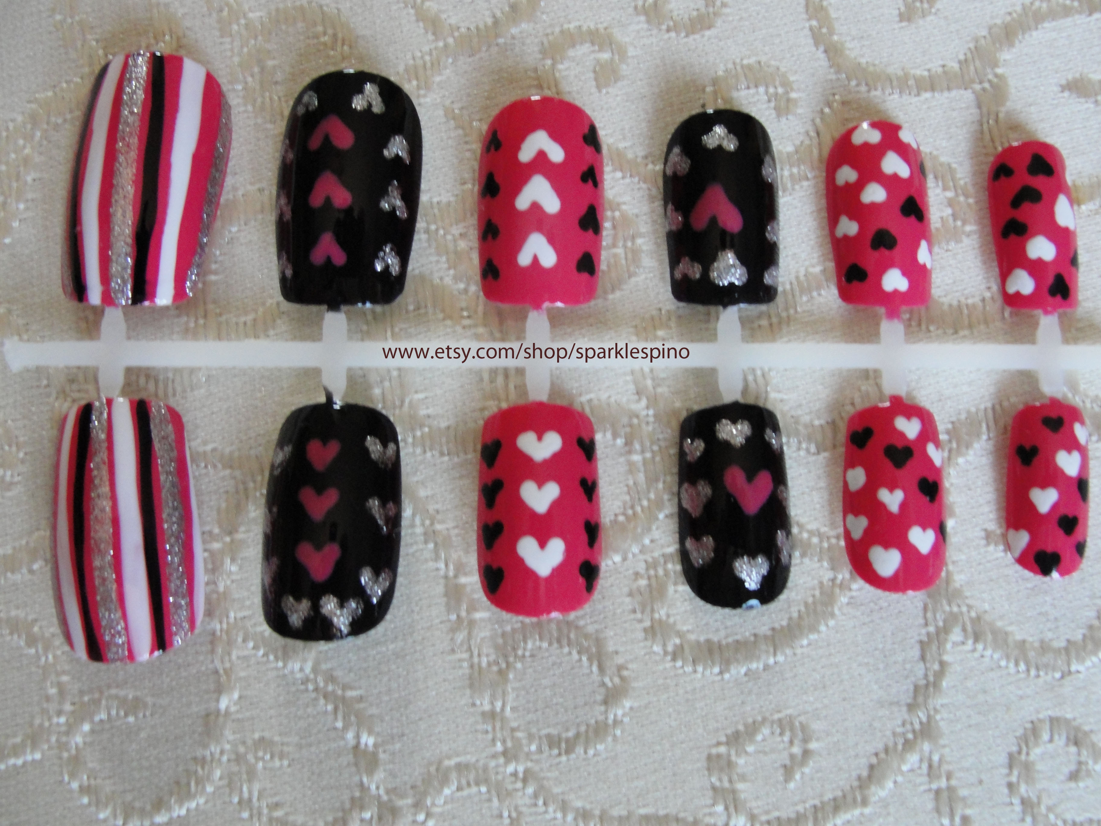 Young Love Set Of 12 Acrylic Nails With Adorable Pink Black